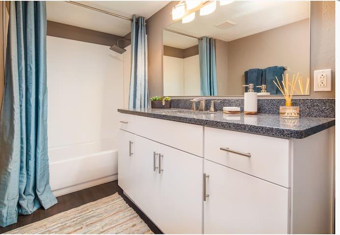 1 bedroom upscale condo - Charlotte - Apto. en complejo residencial