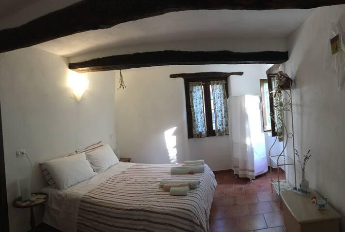 prima camera da letto  first bedroom