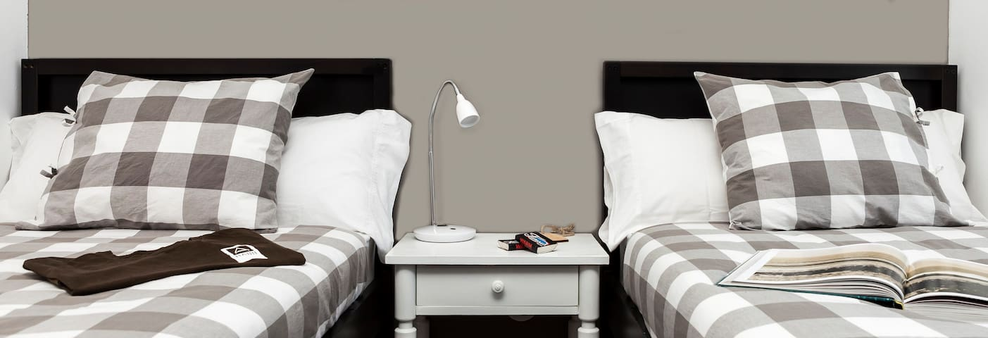 H. doble  (2 camas) -HAND Surf Hostel -