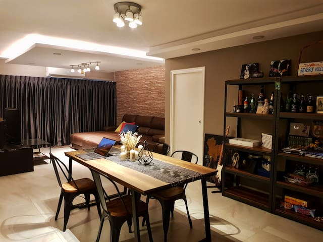 Freshly Renovated 2 bedroom 89sqm with Loft style