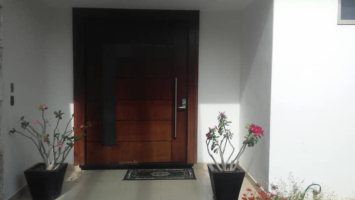 Spacious room, cover garage, private bathroom