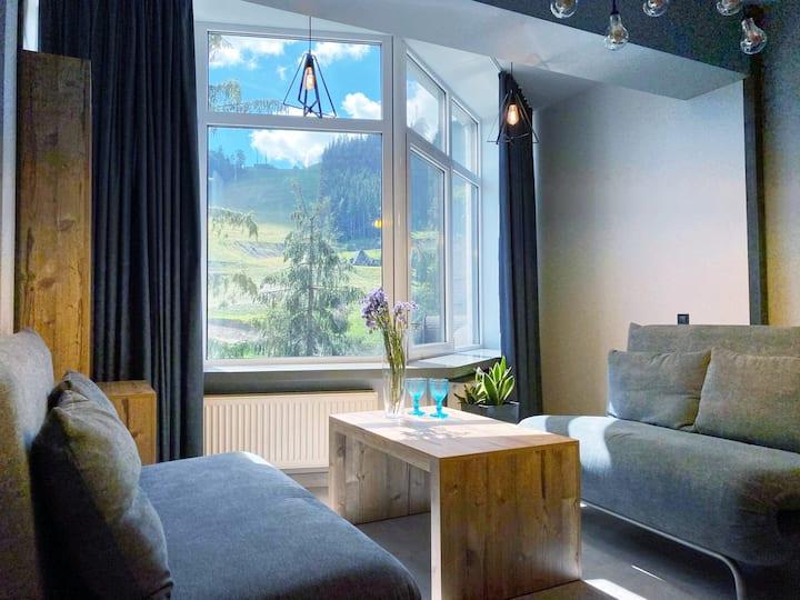 Двокімнатний Люкс для 7 осіб з балконом