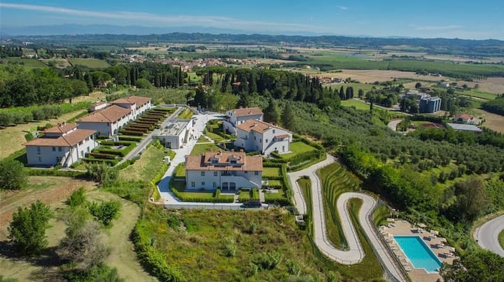 Hilton 1BR Resort Villa at Heart of Tuscany