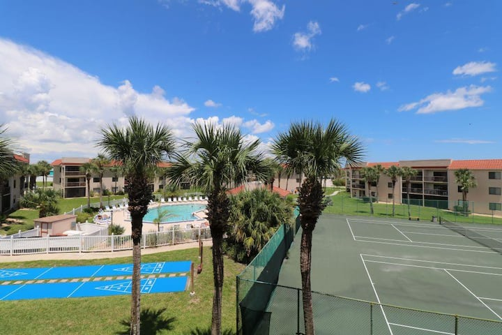 St. Augustine Beach Life! - Ocean Village Club E34