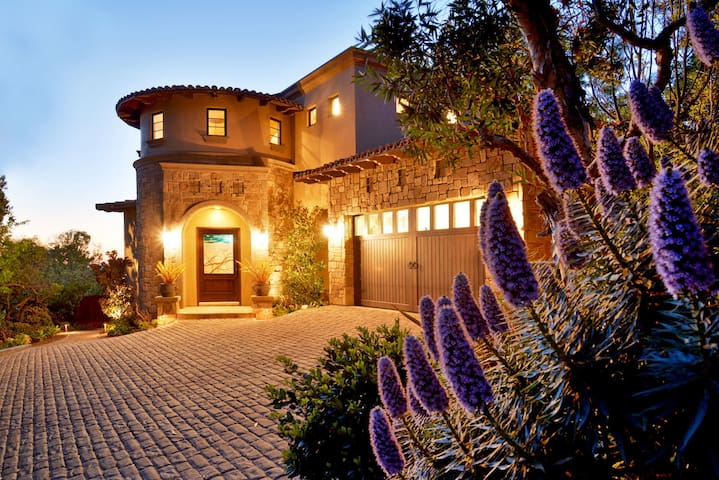 Del Mar Dream House with Panoramic Ocean Views-Sleeps 11!