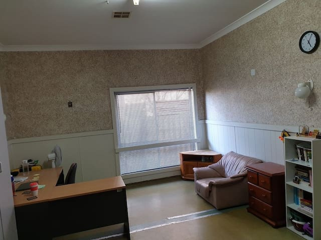 Furnished room for rent in Carnegie Bills included