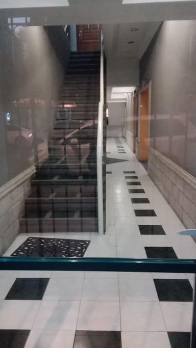 Entrada principal al edificio