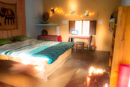 Double bedroom with shared bathroom - Pokhara