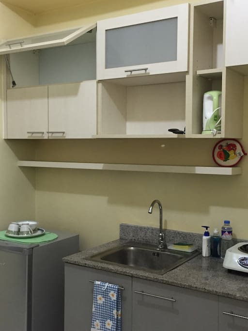 Kitchen with its modular cabinets