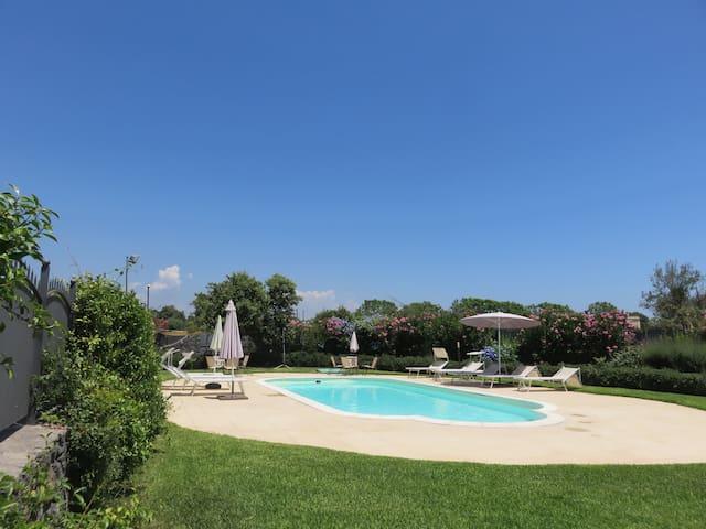 Bivano con terrazzo, piscina, wi-fi