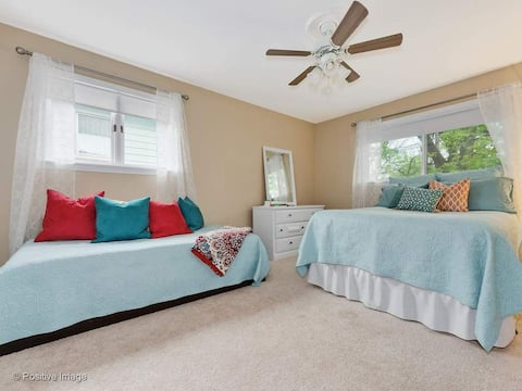 Welcoming, warm & comfortable 3 guests (BR#1 of 3)