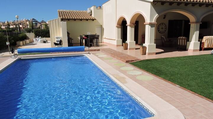 HL024 Super luxurious villa,HDA golf resort
