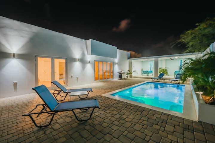 Casa Blanca near Eagle Beach, Pool & Game Room.