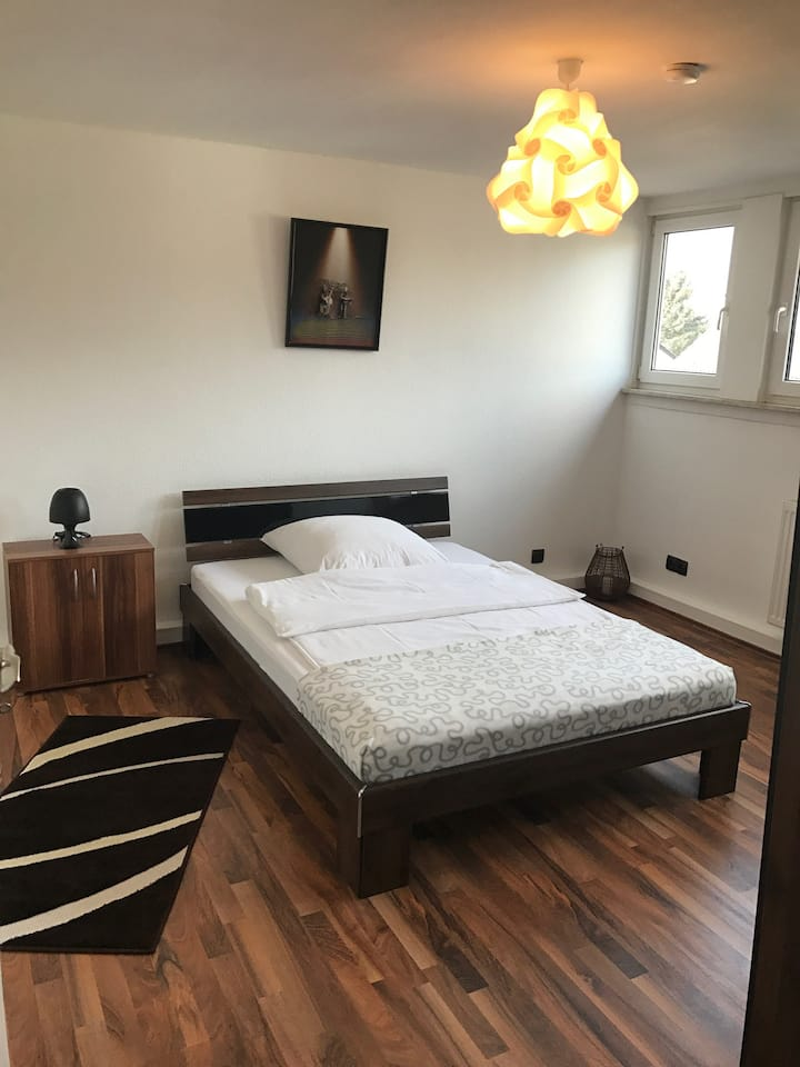 COMFORTABLE Room - top LOCATED
