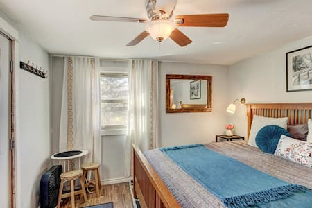 Lock-off Room in Breckenridge- No cleaning fee!