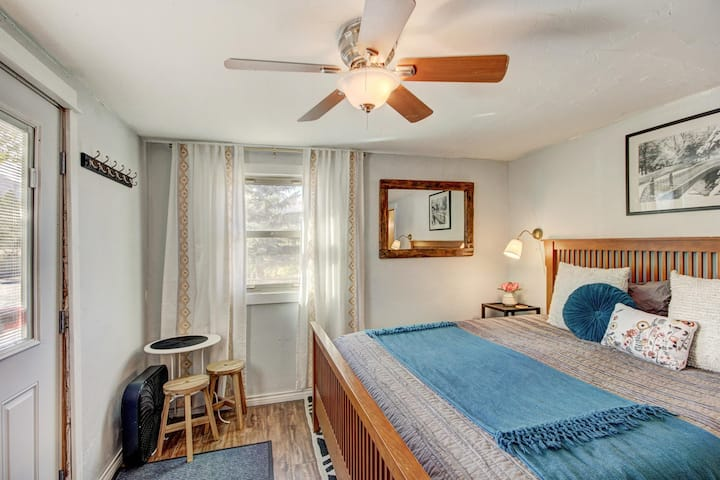 Private Room in Breckenridge- No cleaning fee!