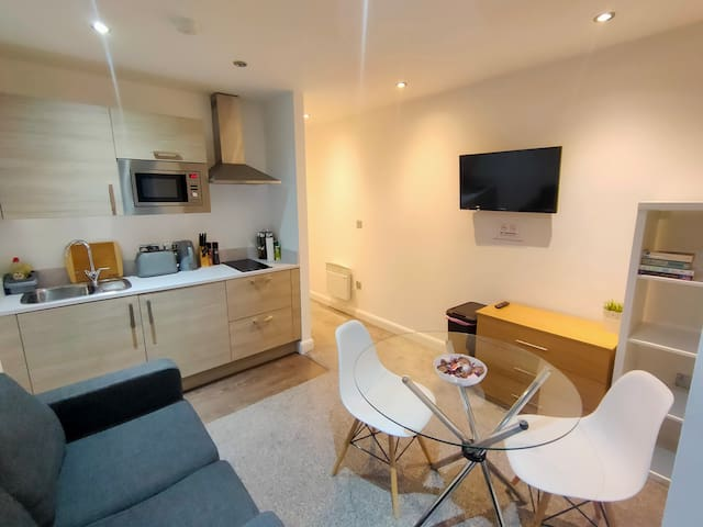 £800/month Discount on long stay bookings!