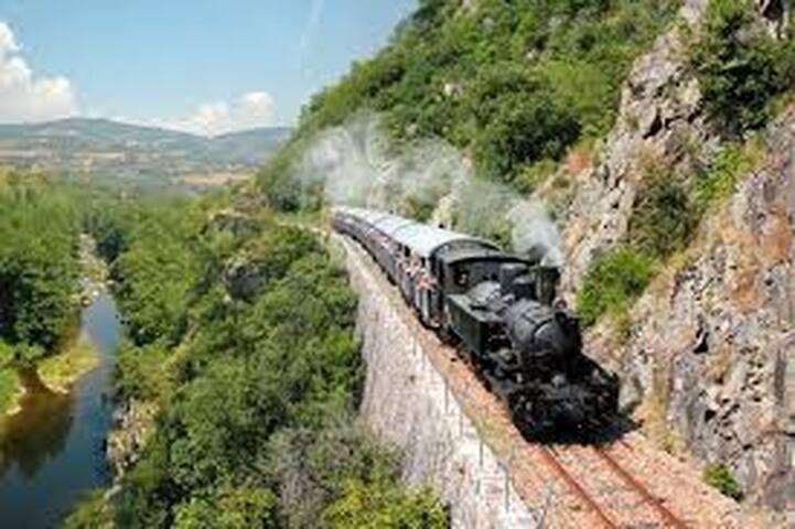Super activité dans les montagnes d'Ardèche