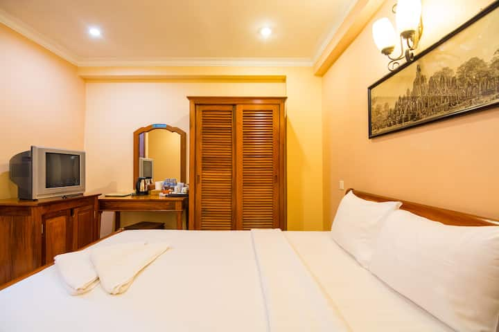 Deluxe Double Room @ Free Pickup & Free Pick up