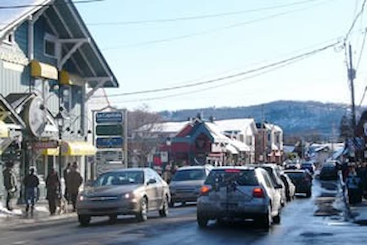 Rue Principal in St.Sauveur