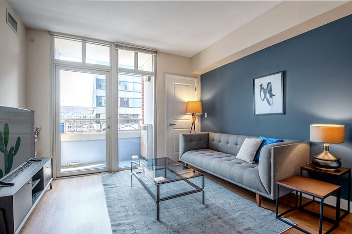 Lovely Downtown 1BR w/ Gym + W/D near Convention Center by Blueground
