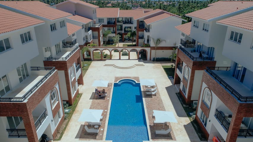 CLOSE TO THE BEACH! 1 BR DELUXE B3-B CORAL VILLAGE