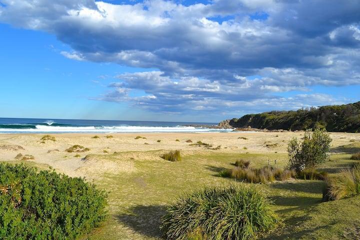 Quiet Retreat Near The Beach!