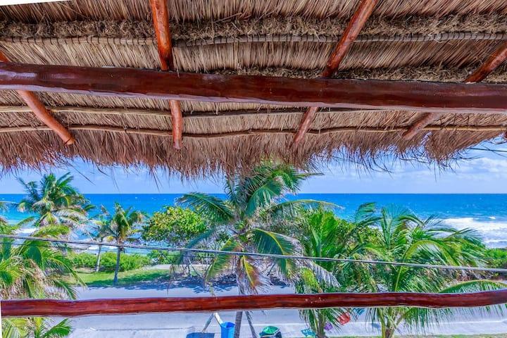 Beach-view Casa Bongo!
