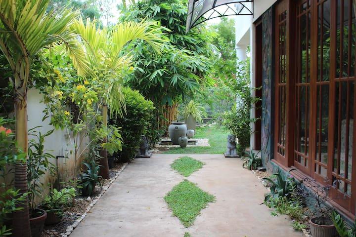Negombo Nook, Room 1