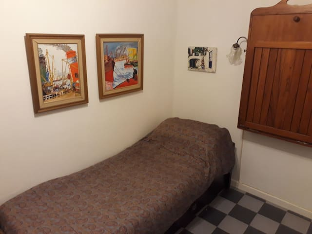 Quinquela Room