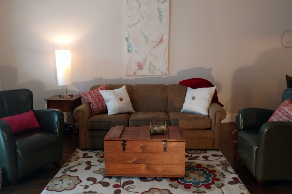 Cozy living room - with pull out sofa bed