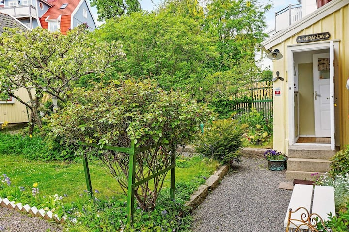 2 person holiday home in LYSEKIL