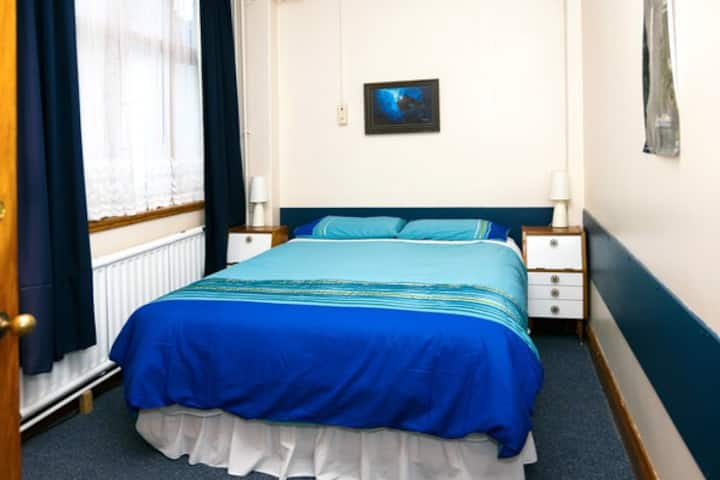 Rawhiti - Comfy, Clean and Quiet - $84  Room 2