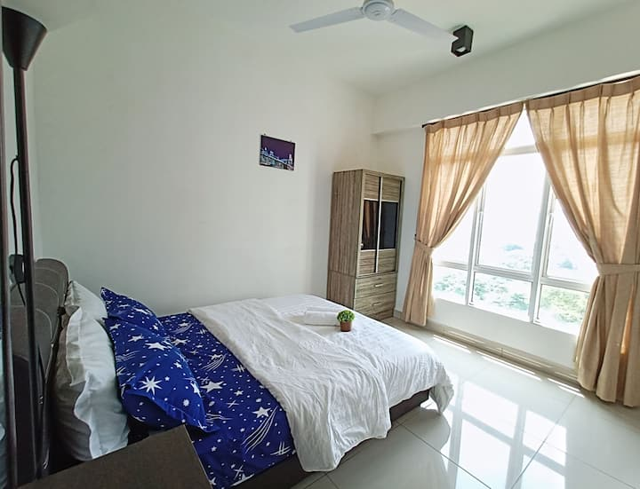 Master Bedroom@Ipoh Town/Private Bathroom/2-3pax