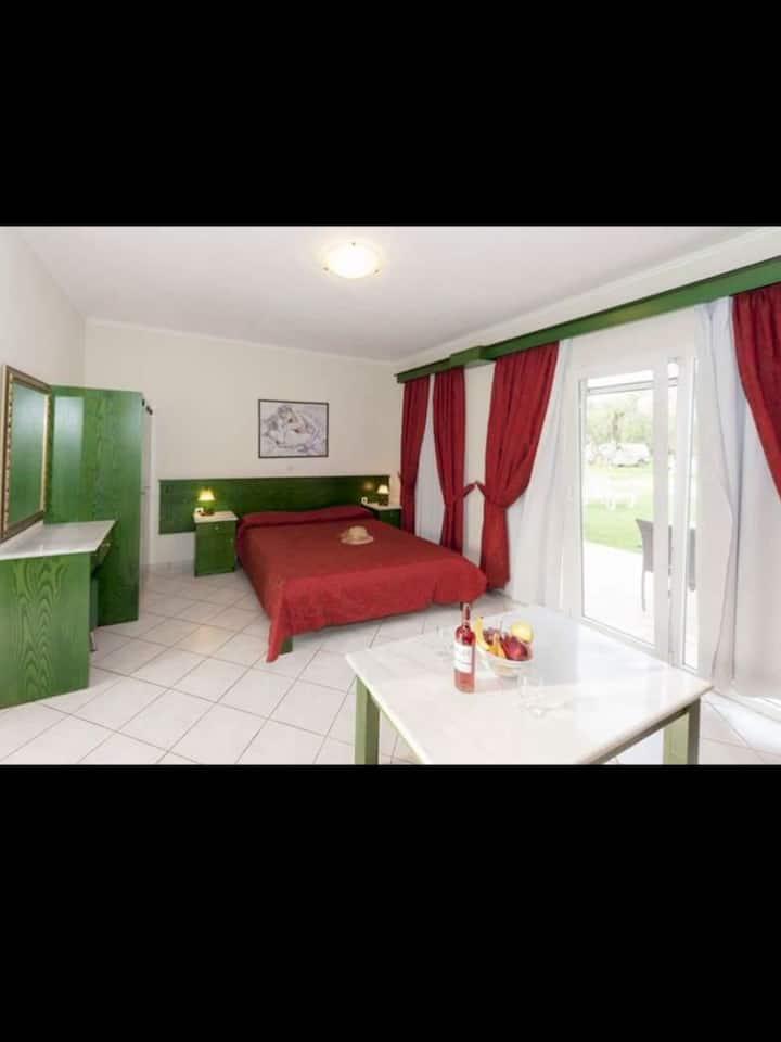 Ballas Paradise Studio apartment