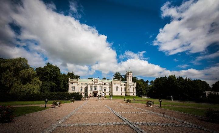 Paszkowka Palace