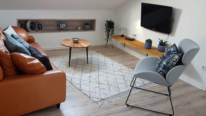 2 cozy flats, 150sqm, 8 people - close to Limburg
