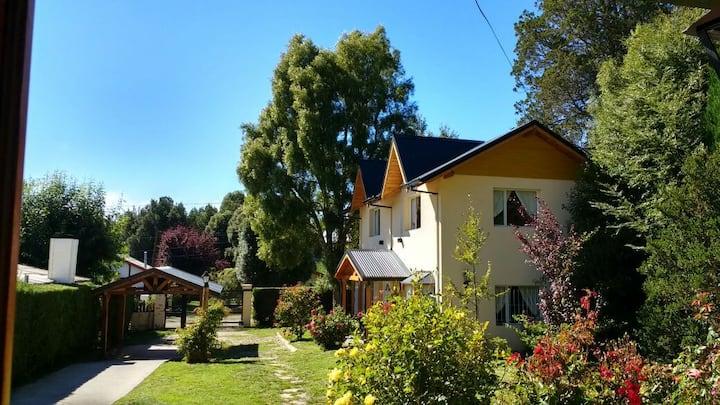Hermosa cabaña para 3 o 4 Pax en entorno natural.