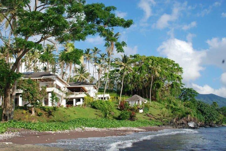 Picturesque Plantation Villa