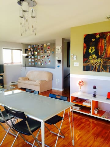 Apartment with free parkings - Longueuil - Apartment