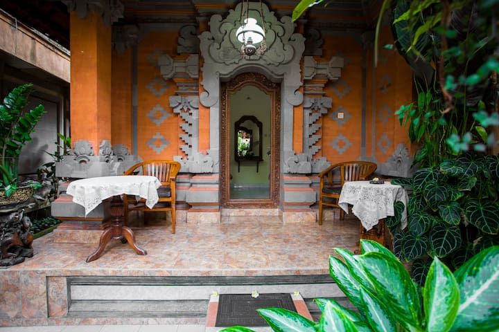 Apartment in Ubud most center with 2 single beds