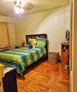 Shaker Square Apt - Convenient and accessible - Cleveland