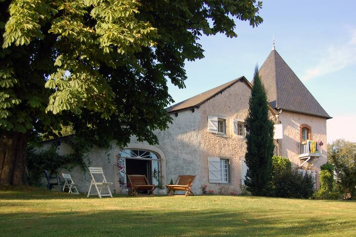 Bed & Breakfast LE PEYRET, life of a castle