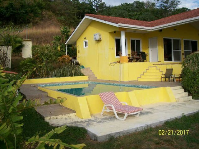 Casa de Fern Gully, Morrillo Beach