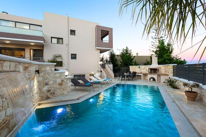 Villa Peris 2, luxury, pool, close to the beach