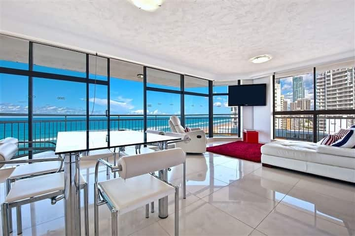 Surfers Paradise apartment with amazing views