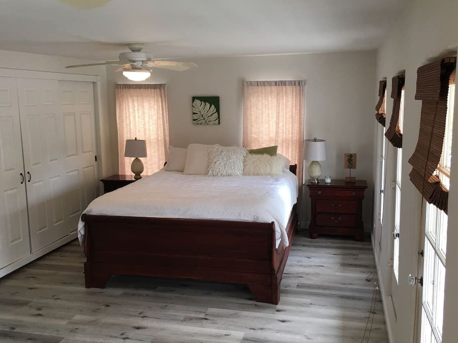 Master bedroom Cal. King bed