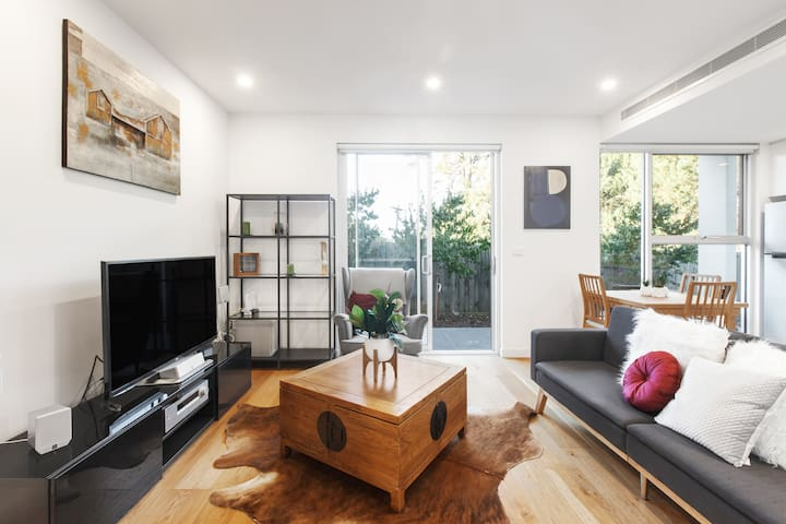 Comfortable and Modern Family Apt with Parking