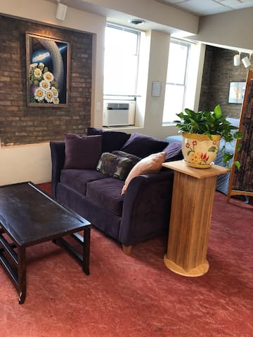 Charming 1BR Loft. Lakeview/Wrigley/Boystown
