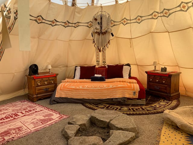 Authentic native tipi (Vegetarian food only)